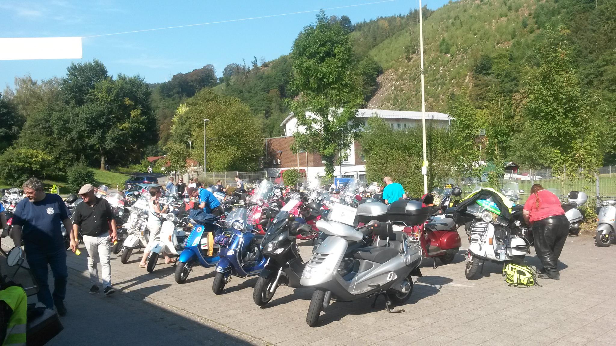Vespa Life Vespa Club Hagen Corsofahrt