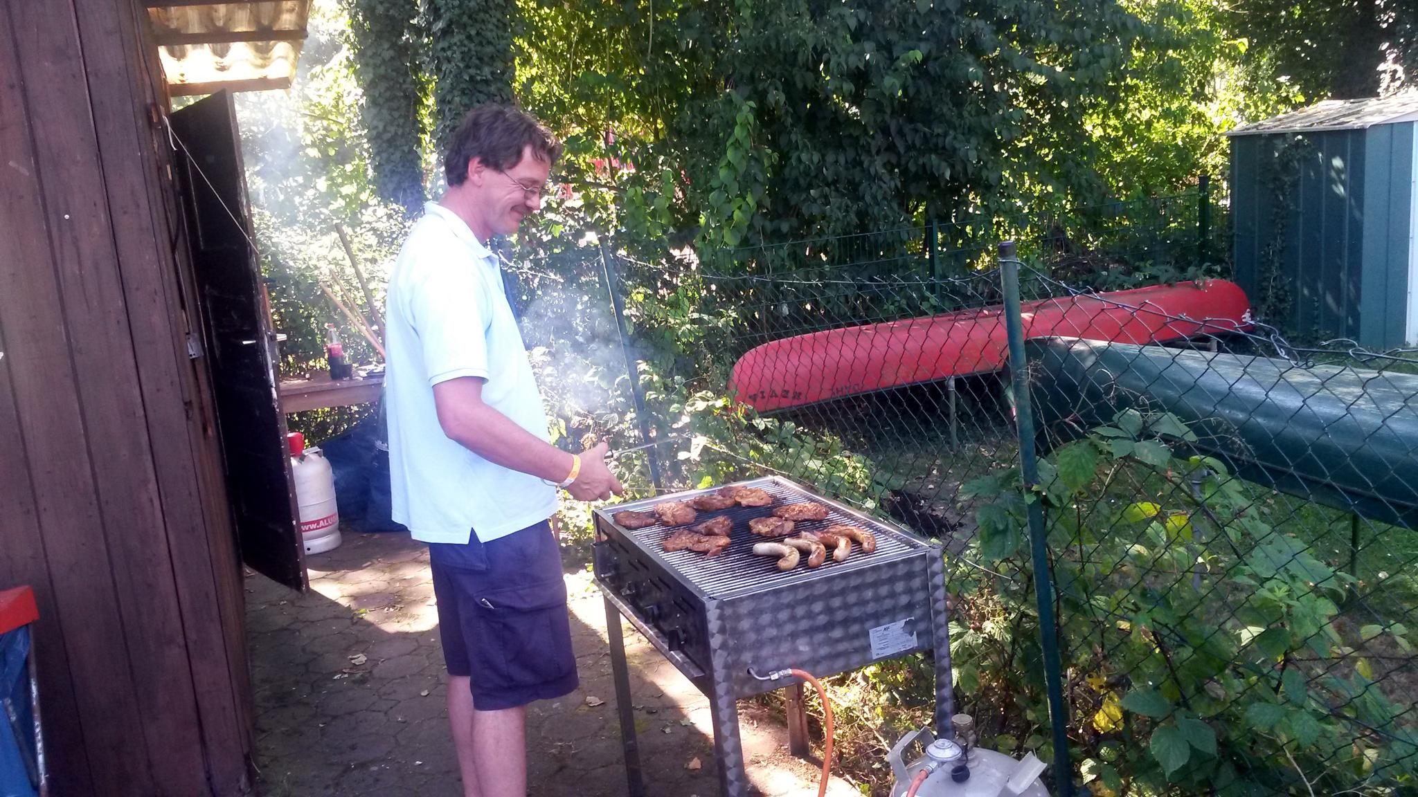Olaf grillt Vespa Life Vespa Club Hagen